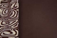 Καφετιές κατασκευασμένες έγγραφο και σοκολάτα στοκ φωτογραφία
