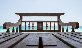 Καφετιοί καρέκλα και πίνακας Στοκ φωτογραφία με δικαίωμα ελεύθερης χρήσης
