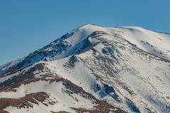 Καύκασος καλύπτει το shurovky ushba ουρανού βουνών βουνών τοπίων Καυκάσια αιχμή βουνών με το χιόνι ΚΑΠ, Arkhyz, Ρωσία Στοκ φωτογραφίες με δικαίωμα ελεύθερης χρήσης