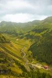 Καύκασος καλύπτει το shurovky ushba ουρανού βουνών βουνών τοπίων Στοκ φωτογραφία με δικαίωμα ελεύθερης χρήσης
