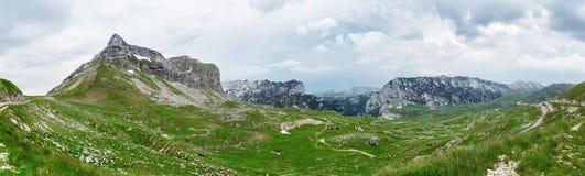 Καύκασος καλύπτει το shurovky ushba ουρανού βουνών βουνών τοπίων Στοκ Φωτογραφίες