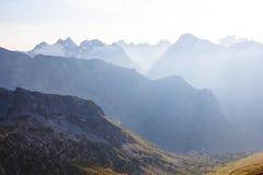 Καύκασος, misty τοπίο βουνών Στοκ Φωτογραφίες