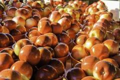 Καλάθια μήλων αγοράς Στοκ Εικόνες
