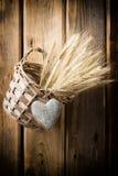 Καλάθι και σίκαλη στοκ φωτογραφία με δικαίωμα ελεύθερης χρήσης