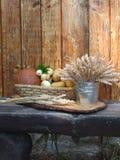 Καλάθι με τα λαχανικά και το σιτάρι Στοκ φωτογραφία με δικαίωμα ελεύθερης χρήσης