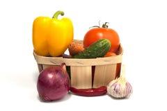 Καλάθι με τα λαχανικά Στοκ φωτογραφία με δικαίωμα ελεύθερης χρήσης