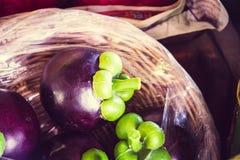 Καλάθι με το mangustin στην ταϊλανδική αγορά Στοκ φωτογραφία με δικαίωμα ελεύθερης χρήσης