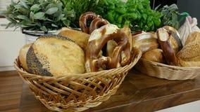 καλάθι πρόχειρων φαγητών Στοκ Φωτογραφίες