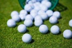 Καλάθι σφαιρών γκολφ Στοκ εικόνες με δικαίωμα ελεύθερης χρήσης