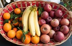 Καλάθι των φρούτων Στοκ εικόνα με δικαίωμα ελεύθερης χρήσης