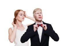 Καλά-ντυμένο ζεύγος στα ενδύματα πολυτέλειας που απομονώνεται Στοκ φωτογραφία με δικαίωμα ελεύθερης χρήσης