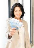 Καλή γυναίκα με τα ευρο- χρήματα μετρητών Στοκ εικόνες με δικαίωμα ελεύθερης χρήσης