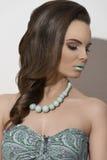 Καλή γυναίκα brunette μόδας Στοκ Εικόνες
