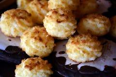 Καλή στενή επάνω εικόνα των μπισκότων καρύδων Χριστουγέννων Στοκ εικόνα με δικαίωμα ελεύθερης χρήσης