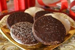 Καλή στενή επάνω εικόνα των μπισκότων Χριστουγέννων με τη σοκολάτα Στοκ Εικόνες