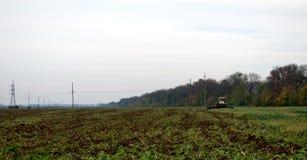 Καλλιέργεια τρακτέρ Στοκ φωτογραφία με δικαίωμα ελεύθερης χρήσης