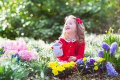 καλλιεργώντας κορίτσι &epsil Στοκ εικόνα με δικαίωμα ελεύθερης χρήσης