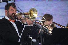 Καλλιτέχνες απόδοσης, ορχήστρα, σύνολο ορείχαλκου οργάνων αέρα kronwerk Στοκ εικόνα με δικαίωμα ελεύθερης χρήσης
