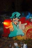 Καλλιτέχνης γκράφιτι στην εργασία Στοκ εικόνες με δικαίωμα ελεύθερης χρήσης