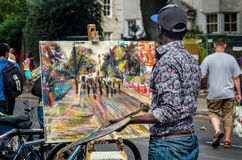 Καλλιτέχνης οδών, ζωγράφος στο Νότινγκ Χιλ καρναβάλι Στοκ εικόνα με δικαίωμα ελεύθερης χρήσης