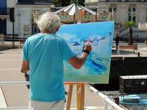 Καλλιτέχνης που δημιουργεί μια ζωγραφική Στοκ Εικόνες