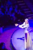Καλλιτέχνης τσίρκων που κάνει το χιόνι Στοκ εικόνες με δικαίωμα ελεύθερης χρήσης