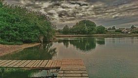 καλοκαίρι αποβαθρών λιμνών βραδιού Στοκ Εικόνες