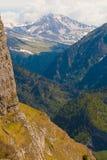 Καλοκαίρι ημέρας βουνών Στοκ φωτογραφία με δικαίωμα ελεύθερης χρήσης