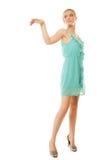 καλοκαίρι μόδας Αρκετά μοντέρνο κορίτσι στο πράσινο φόρεμα Στοκ εικόνα με δικαίωμα ελεύθερης χρήσης