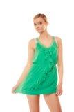 καλοκαίρι μόδας Αρκετά μοντέρνο κορίτσι στο πράσινο φόρεμα Στοκ φωτογραφία με δικαίωμα ελεύθερης χρήσης