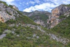 Καλοκαίρι στις ιταλικά ορεινές περιοχές και τα βουνά Στοκ φωτογραφία με δικαίωμα ελεύθερης χρήσης