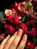 Καλοκαίρι τριαντάφυλλα τα λουλούδια ανθοδεσμών, αυξήθηκαν λουλούδια, αγάπη Στοκ Φωτογραφίες