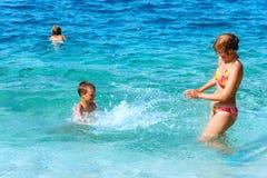 Καλοκαιρινές διακοπές Familys στη θάλασσα (Ελλάδα) Στοκ εικόνες με δικαίωμα ελεύθερης χρήσης