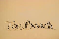 Καλοκαιρινό εκπαιδευτικό κάμπινγκ που γράφεται από την αμμώδη πλευρά παραλιών Στοκ Φωτογραφία