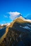 καλυμμένο χιόνι βουνών Στοκ φωτογραφίες με δικαίωμα ελεύθερης χρήσης