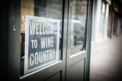 Καλωσορίστε στη χώρα κρασιού Στοκ εικόνα με δικαίωμα ελεύθερης χρήσης