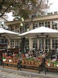 Καλός διακοσμημένος άνετος καφές στην οδό της Οδησσός Στοκ Εικόνα