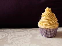 Καλό cupcake στην πορφύρα Στοκ Εικόνα