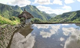 Καλύβα στα πεζούλια ρυζιού της ΟΥΝΕΣΚΟ σε Batad, Φιλιππίνες Στοκ φωτογραφίες με δικαίωμα ελεύθερης χρήσης