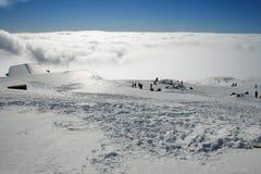Καλύβα στεγών - Etna που καλύπτεται από το χιόνι Στοκ Φωτογραφία