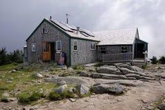 Καλύβα Greenleaf - της όξινης απορροής λέσχη βουνών Στοκ φωτογραφία με δικαίωμα ελεύθερης χρήσης