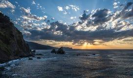Καλύπτει κοντά στο ερημητήριο του San Juan de Gaztelugatxe, Euskadi Στοκ φωτογραφία με δικαίωμα ελεύθερης χρήσης