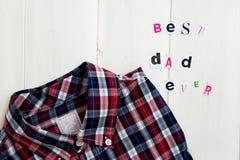 Καλύτερα επιστολές και πουκάμισο μπαμπάδων πάντα Στοκ εικόνες με δικαίωμα ελεύθερης χρήσης