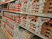 Καλύτερος και Ferrero στην υπεραγορά στοκ φωτογραφία με δικαίωμα ελεύθερης χρήσης
