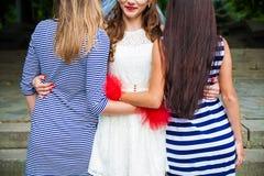 Καλύτερος φίλος τριών κοριτσιών Στοκ φωτογραφία με δικαίωμα ελεύθερης χρήσης