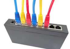 Καλώδια δικτύων που συνδέονται με το δρομολογητή Στοκ Εικόνα