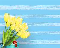 Κείμενο άνοιξη με το λουλούδι τουλιπών επίσης corel σύρετε το διάνυσμα απεικόνισης Στοκ Φωτογραφίες