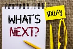 Κείμενο γραφής ποια επόμενη ερώτηση του s Έννοια που σημαίνει τη λύση επιλογής φαντασίας το επόμενο ερωτηματολόγιο που γράφεται ρ Στοκ φωτογραφία με δικαίωμα ελεύθερης χρήσης