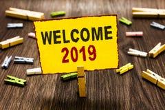 5fedf92044 Κείμενο γραφής που γράφει Καλώς ήρθατε το 2019 Έννοια που σημαίνει το νέο  κίνητρο εορτασμού έτους