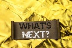 Κείμενο γραφής που γράφει σε ποιο s την επόμενη ερώτηση Έννοια που σημαίνει τη λύση επιλογής φαντασίας το επόμενο ερωτηματολόγιο  Στοκ Εικόνες